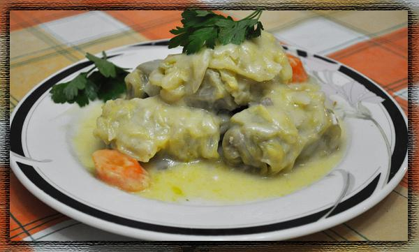 Greek lahanontolmades ( Stuffed cabbage rolls )