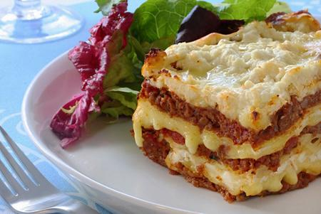 Ground beef lasagna