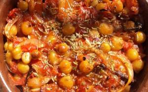 Ρεβύθια κοκκινιστά στον φούρνο