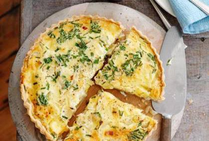Onion and tuna tart