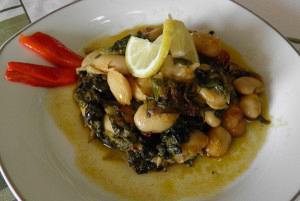 Γίγαντες με σπανάκι ή άγρια χόρτα στον φούρνο