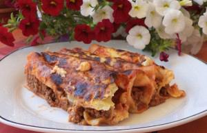 Ground beef cannelloni with bechamel sauce