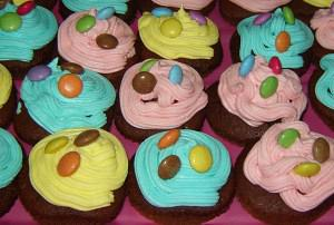 Cupcakes with colored buttercream frosting