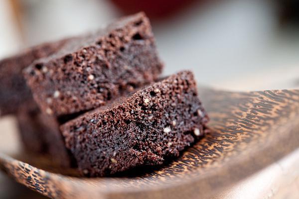 Καραμελένια μπράουνις σοκολάτας