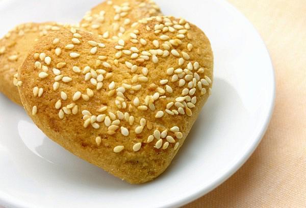 Orange and sesame seeds cookies