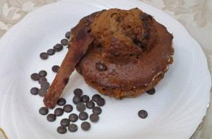 Cinnamon and chocolate drops muffins