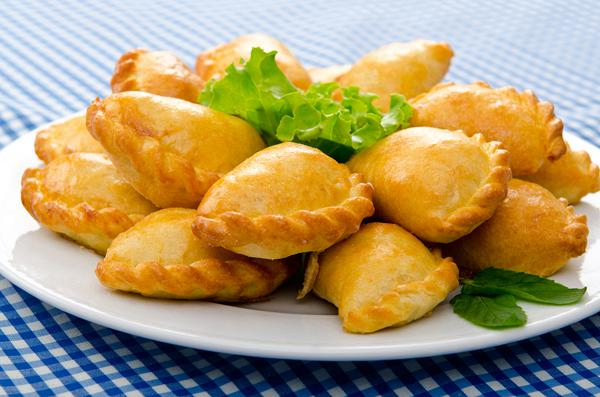 Mini chicken pies