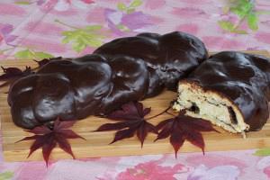 Τσουρέκι γεμιστό με σοκολάτα