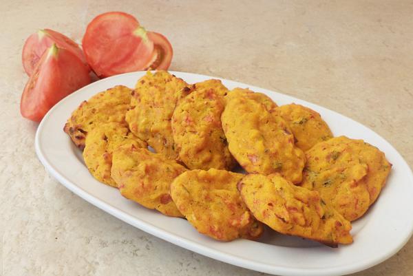 Tomatokeftedes (baked tomato balls)