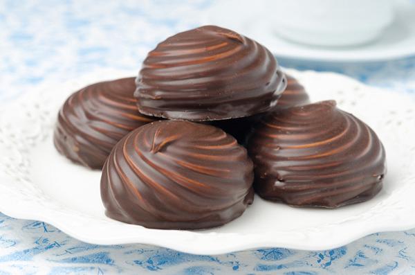 Μπεζέδες σοκολάτας με μαστίχα