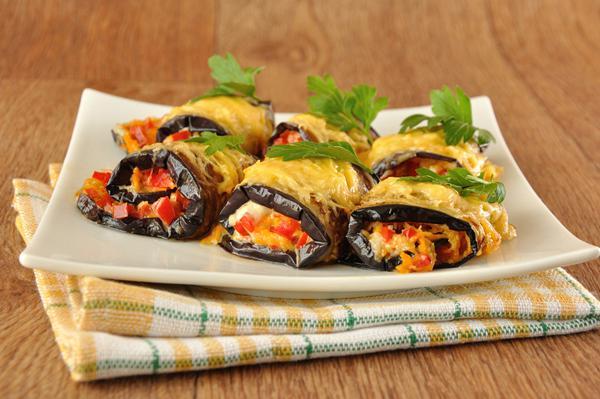 Μελιτζάνες ρολάκια με λαχανικά