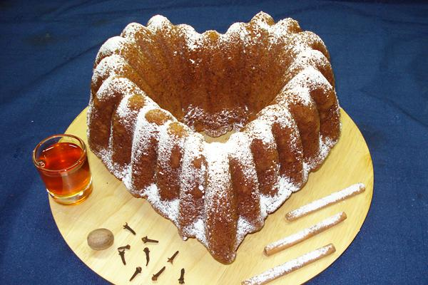 Cinnamon and honey cake