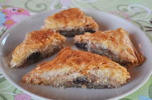 Chocolate and kataifi baklava