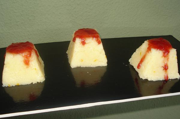 Χαλβάς με μαρμελάδα φράουλα
