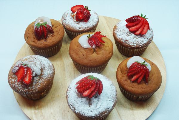 Strawberry stuffed cup cakes