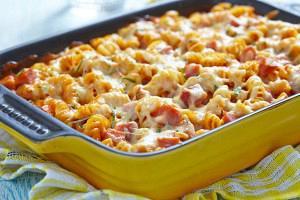 Baked Fusilli pasta with tomato sauce