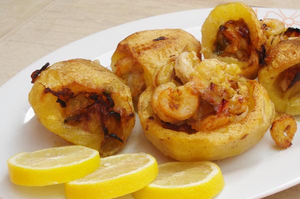 Πατάτες γεμιστές με γαρίδες