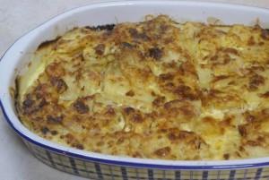 Σουφλέ πατάτας με σουτζούκι