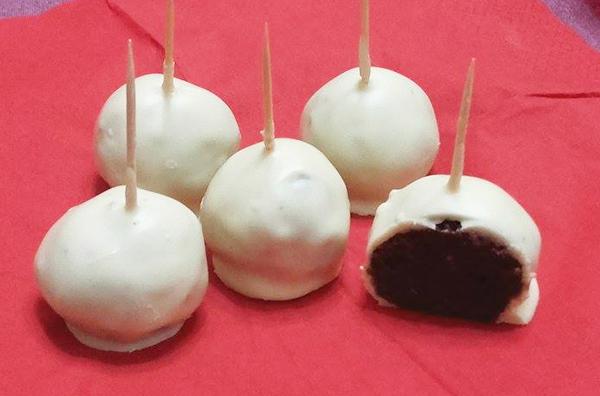 Σοκολατάκια γάλακτος με λευκή σοκολάτα