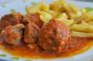 Ψαρονέφρι με κόκκινη σάλτσα