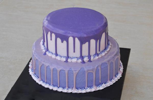 Διώροφη τούρτα γενεθλίων