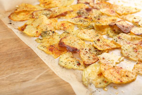 Πατάτες φούρνου (σαν τηγανιτές)